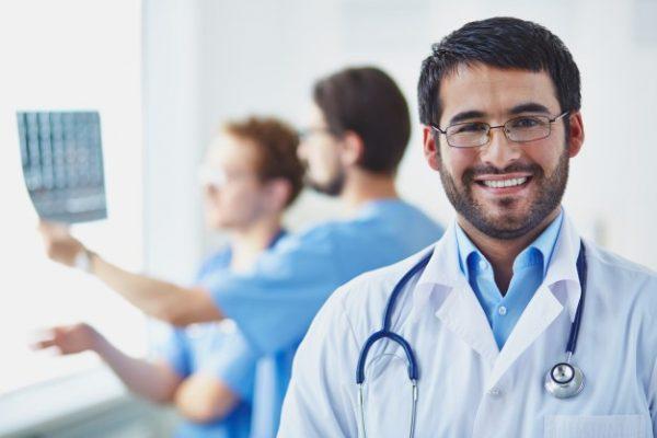 18 de outubro é comemorado o Dia do Médico